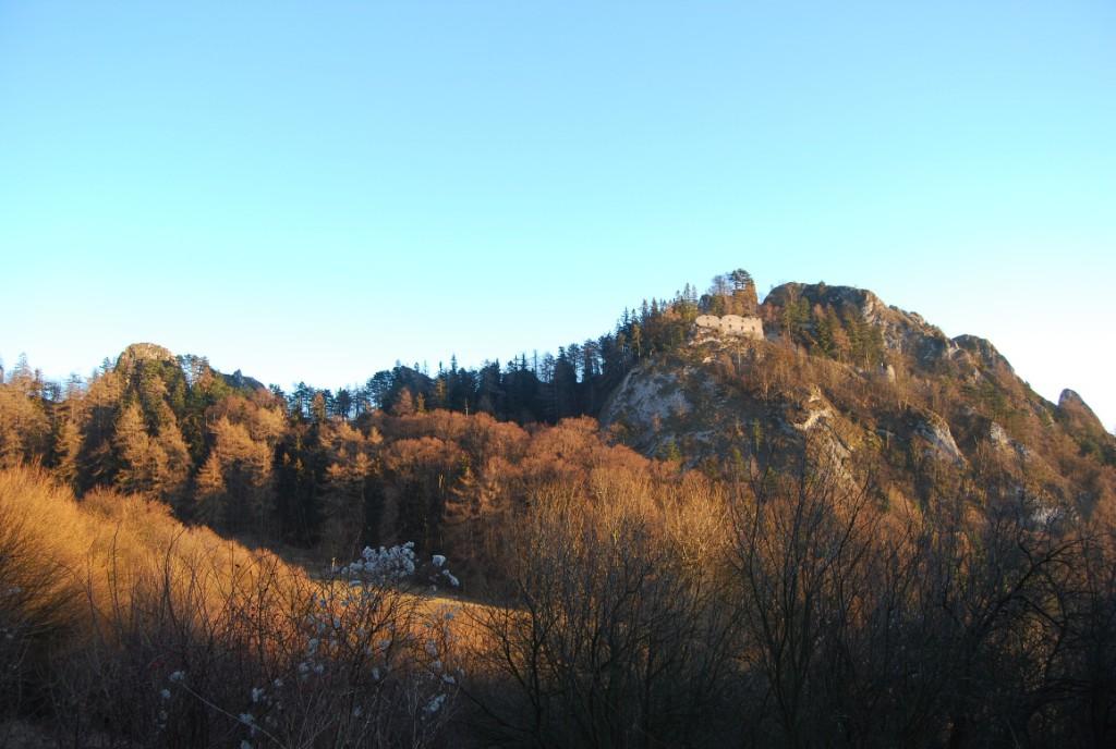 Zřícenina hradu Vršatec v současné době.